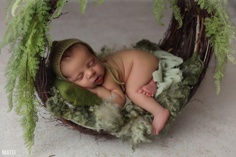Sesión de recien nacido en mate estudio